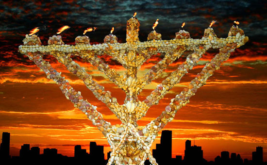 Miami Beach, Florida - Publicizing the Chanukah Miracle