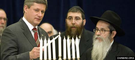 http://www.chabad.org/media/images/174/CRdk1740200.jpg