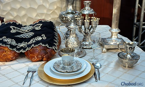 What To Expect At A Shabbat Dinner Shabbat